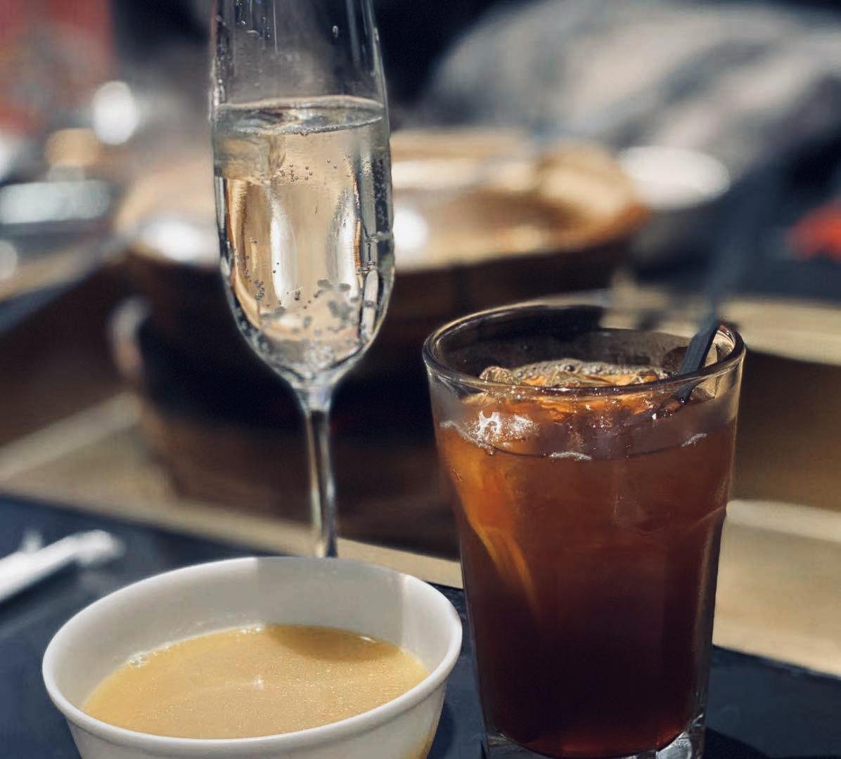 莫斯卡托、鸡汤、冻柠茶